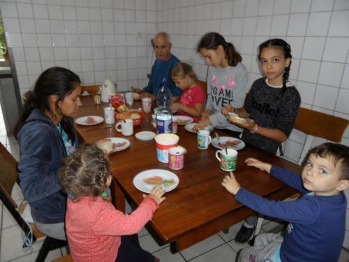 die Kinder haben Ferien und somit oft bei uns im Heim (1)
